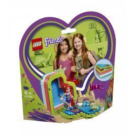 LEGO®  Friends Mia a letní srdcová krabička 41388