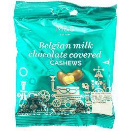 Marks & Spencer Karamelizovaná jádra kešu ořechů s medem v belgické mléčné čokoládě
