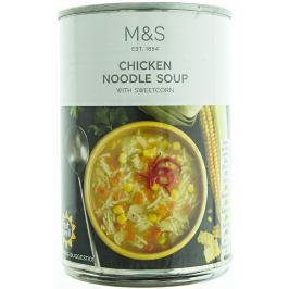 Marks & Spencer Kuřecí polévka s nudlemi a kukuřicí