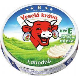 Veselá kráva lahodná z čerstvého mléka
