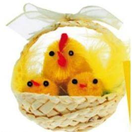 Košíček pletený přírodní s plyšovýmí kuřátky 1 kus, 5 cm Dekorace na postavení