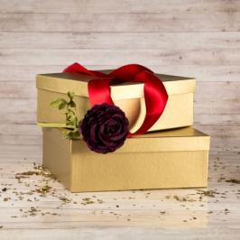 Dárková krabice Bořek, zlatý natur velikosti krabice Bořek: 4 - 25x25x10,5 cm