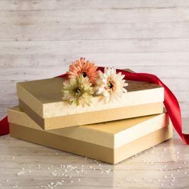 Dárková krabice Sabina, zlaté vločky velikost krabice Sabina: 2 - 36x24x7,5 cm